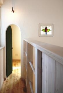 小人のドアとアンティークステンドグラス