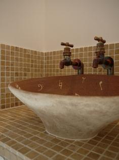 オーダー手洗いボールとタイルの造作洗面所