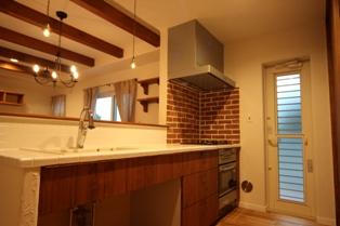 煉瓦貼りキッチン
